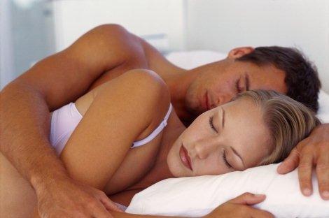 Por qué dormir sobre el lado izquierdo?