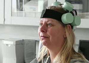 Novedoso tratamiento de cascos magnéticos para curar la depresión